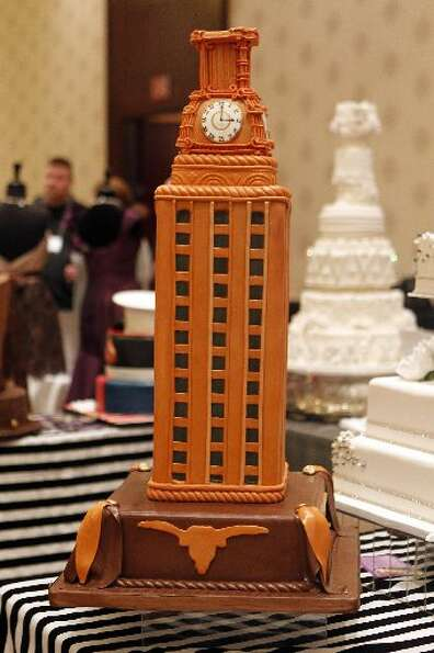 A groom's cake designed as the University of Texas Main Building by Edible Designs by Jessie.
