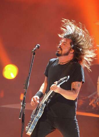 Dave Grohl of the Foo Fighters, pictured performing in downtown Los Angeles. Photo: JEWEL SAMAD, Getty Images / 2008 AFP
