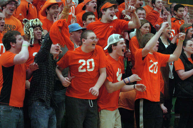 Trinity Catholic hosts Ridgefield High School in a boys basketball game in Stamford, Conn., Jan. 29, 2013. Photo: Keelin Daly / Keelin Daly