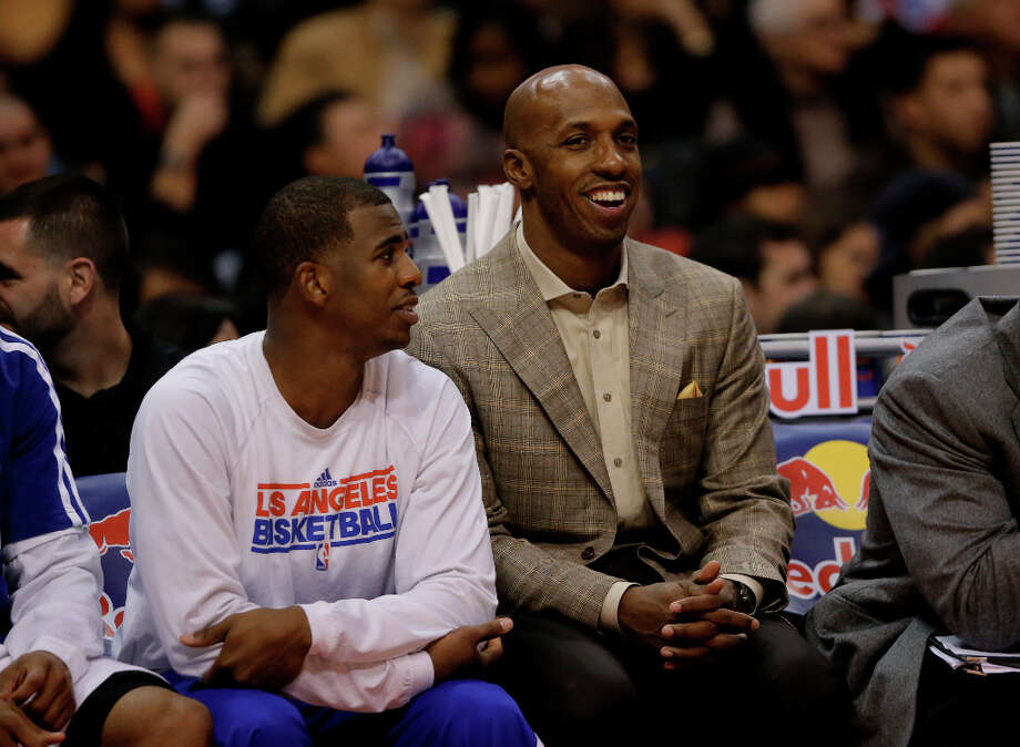 Los Angeles Clippers' Chris Paul, left, chats with Chauncey Billups in the second half of an NBA basketball game against the Chicago Bulls in Los Angeles, Saturday, Nov. 17, 2012. The Clippers won 101-80. Photo: Jae C. Hong, Associated Press / AP
