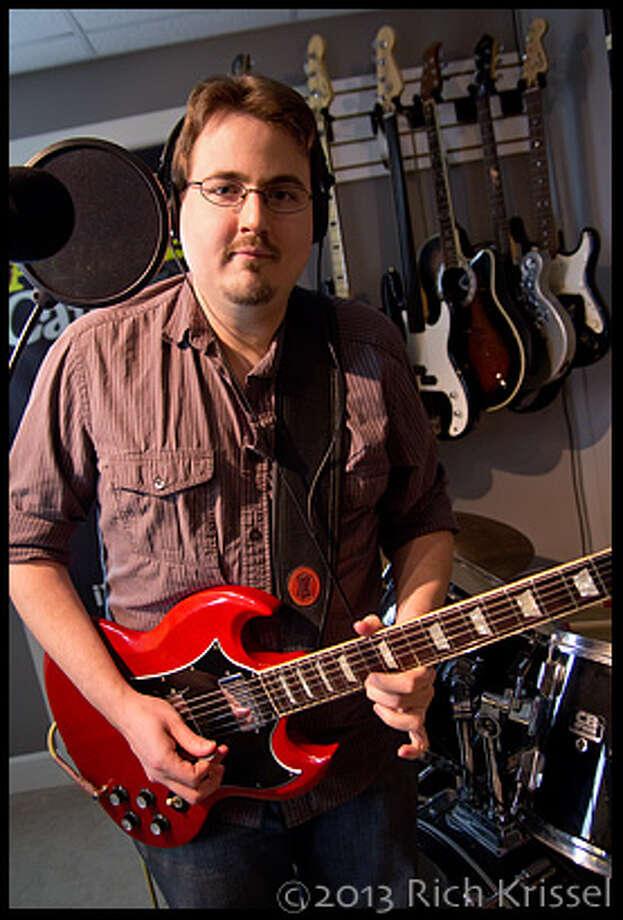 Ritch Harrigan (guitar/vox)