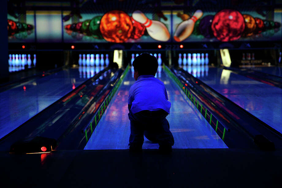 Go bowling. You're bound to find a free lane on Super Bowl Sunday. Feeling adventurous? Go for the Laser Tag. Photo: NICOLE FRUGE, SAN ANTONIO EXPRESS-NEWS / SAN ANTONIO EXPRESS-NEWS