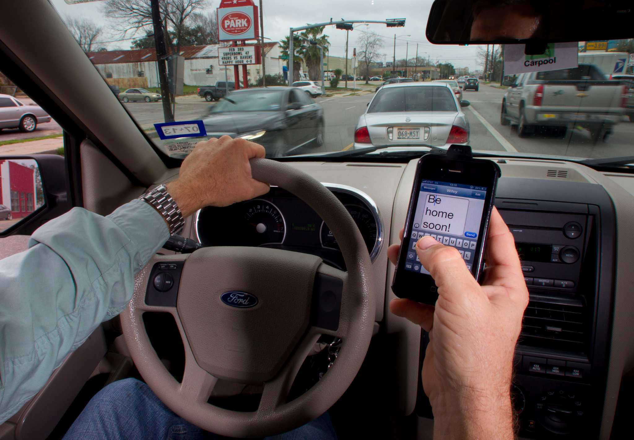 texting while driving dangers