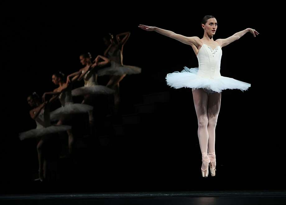 "SF Ballet dancer Sarah Van Patten during a dress rehearsal of ""Suite en Blanc"" at the War Memorial Opera House in San Francisco, Calif.,  on Tuesday, January 29, 2013. Photo: Liz Hafalia, The Chronicle"