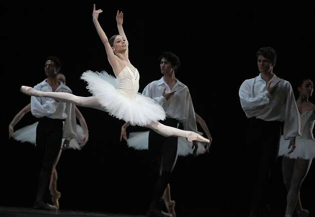 "Showing its flexibility, S.F. Ballet dancers brought elegance to ""Suite en Blanc,"" above, a neoclassical diversion that couldn't be more different than McGregor's ""Borderlands."" Photo: Liz Hafalia, The Chronicle"