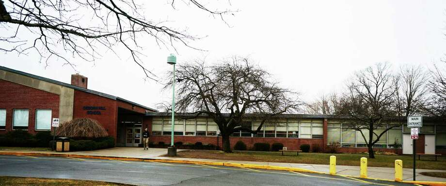 Bonding for PCB remediation at Osborn Hill School has been approved by the Representative Town Meeting. Photo: Genevieve Reilly / Fairfield Citizen