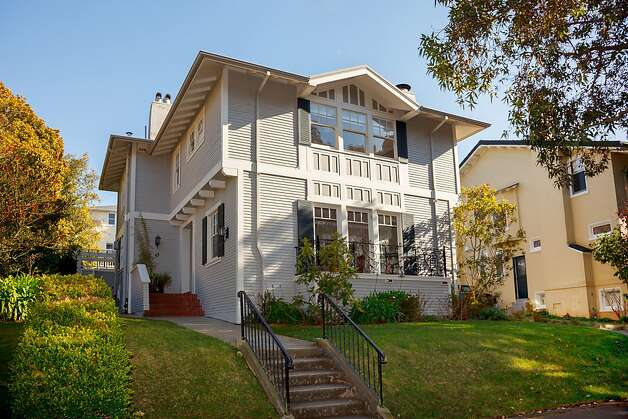 45 San Leandro Way, $1.998 million Photo: Jacob Elliott Photography