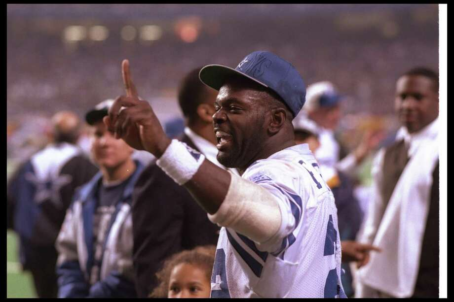 31 Jan 1993: Running back Emmitt Smith of the Dallas Cowboys celebrates during Super Bowl XXVII against the Buffalo Bills at the Rose Bowl in Pasadena, California. The Cowboys won the game, 52-17. Photo: Jonathan Daniel, Getty Images / Getty Images North America