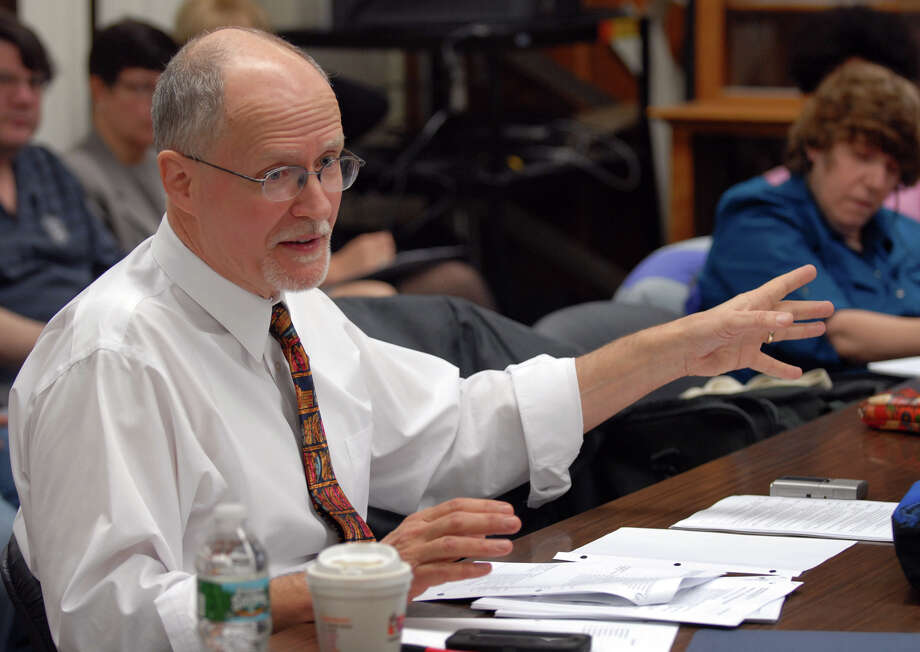 Superintendent of Schools Paul Vallas speaks to the Bridgeport Board of Education about why he should receive a good evaluation and contract extension, during a meeting at Bridgeport City Hall in Bridgeport, Conn. on Wednesday January 30, 2013. Photo: Christian Abraham / Connecticut Post