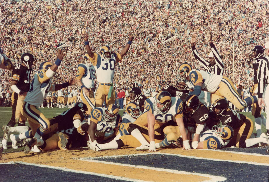 Super Bowl XIV — Jan. 20, 1980 | Pasadena, Calif. | Steelers 31, (Los Angeles) Rams 19Performers: Up With People.Up With People returned to the Super Bowl with a halftime performance themed ''Salute to the Big Band Era.'' Photo: Robert Riger, Getty Images / 1980 Robert Riger