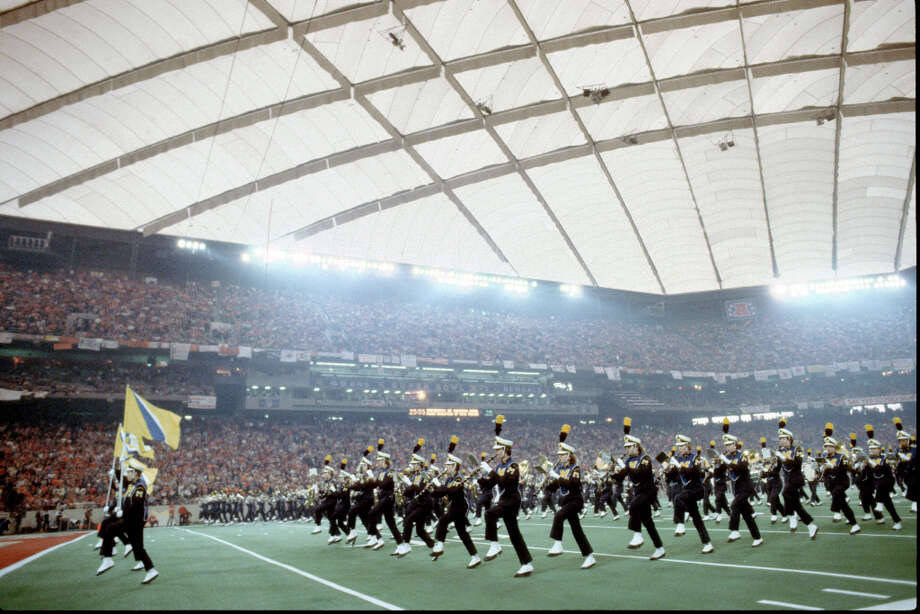 Super Bowl XVI — Jan. 24, 1982 | Pontiac, Mich. (Detroit) | 49ers 26, Bengals 21Performers: Up With People.The Super Bowl continued its obsession with Up With People, who performed at halftime with a ''Salute to the '60s and Motown'' theme — appropriate for the Motor City. The University of Michigan marching band played before the game (pictured).You can watch the entire halftime show on YouTube. Photo: George Gojkovich, Getty Images / 1982 George Gojkovich