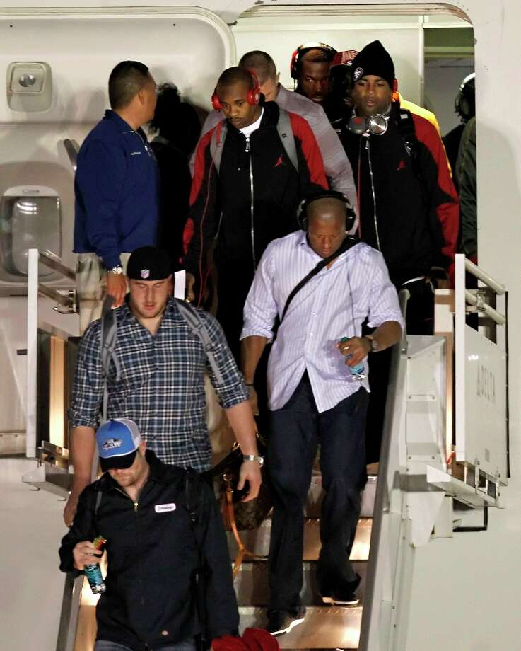 3. FocusWhen the Ravens came off the plane in New Orleans, half the players were filming the moment on smart phones and camcorders. When the 49ers deplaned, none of the players did that. Running back Frank Gore was asked on Tuesday how he liked New Orleans. He said he hadn't left the hotel yet. The 49ers seem more locked in to the task than the Ravens. Photo: Michael Macor, The Chronicle / ONLINE_YES