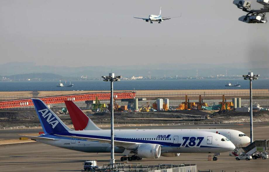 An All Nippon Airways' Boeing 787 Dreamliner sits on the tarmac at Haneda Airport in Tokyo, Wednesday, Jan. 30, 2013. Photo: Shizuo Kambayashi, Associated Press / Associated Press