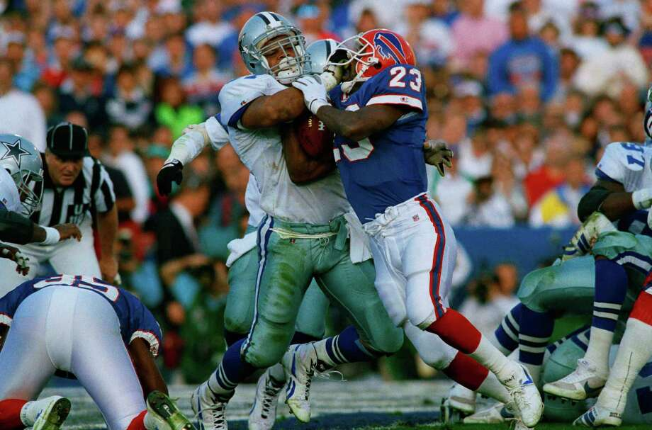 Dallas Cowboys Ken Norton, left, stops Buffalo Bills Kenneth Davis (23) at the goal line in first quarter Super Bowl action in Pasadena, Calif., Sunday, Jan. 31, 1993. Photo: Eric Risberg, Associated Press / 1993 AP