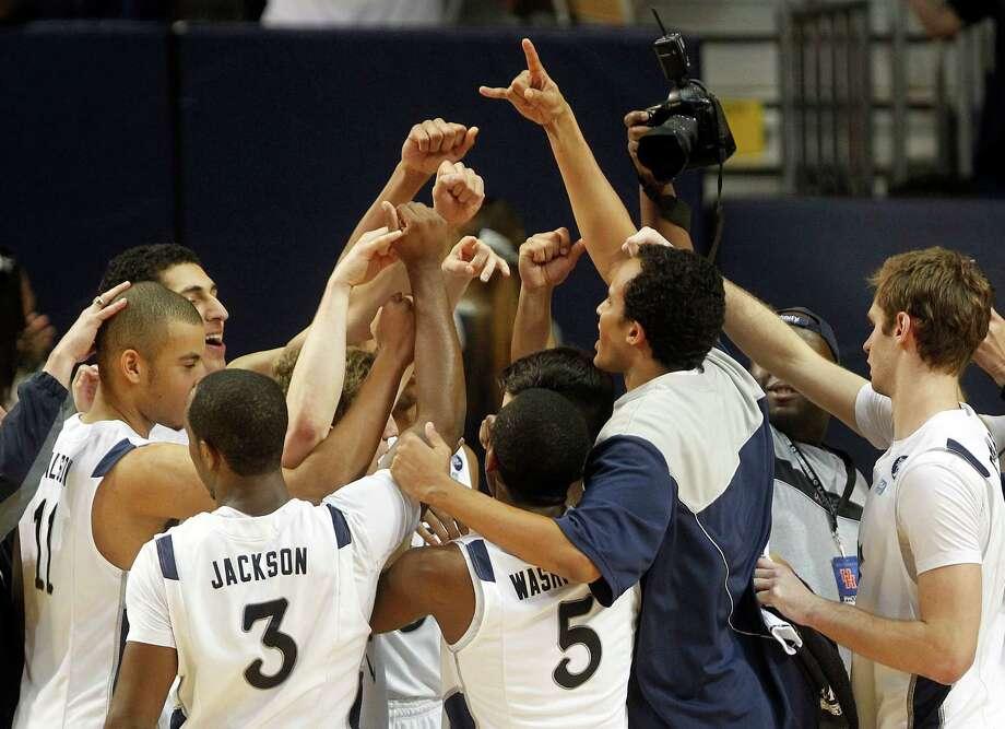 Rice University celebrates their win. Photo: Johnny Hanson, Houston Chronicle / © 2013  Houston Chronicle