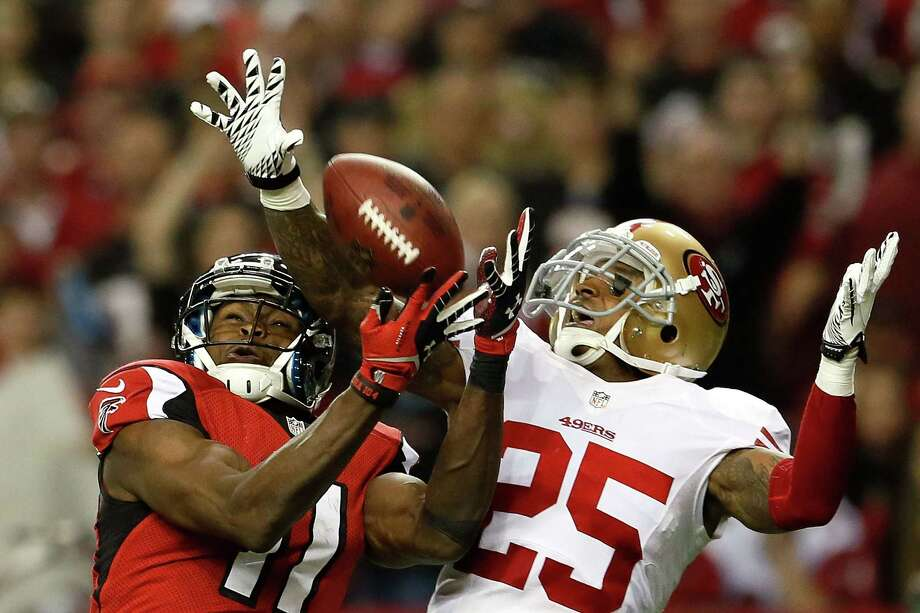 San Francisco cornerback Tarell Brown, right, did his part against Julio Jones and the Falcons to ensure a Super Bowl trip for the 49ers. Photo: Kevin C. Cox, Staff / 2013 Getty Images