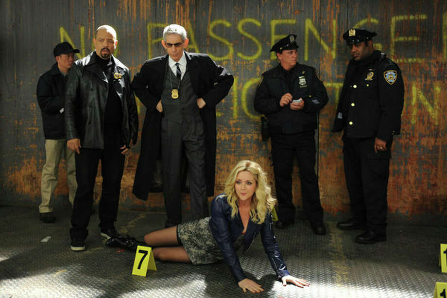 30 ROCK -- Part 1: Hogcock! Part 2: Last Lunch Episode 712/713 -- Pictured: (l-r) Ice-T as himself, Richard Belzer as himself, Jane Krakowski as Jenna Maroney -- Photo: NBC, Ali Goldstein/NBC / 2012 NBCUnivesal Media, LLC.