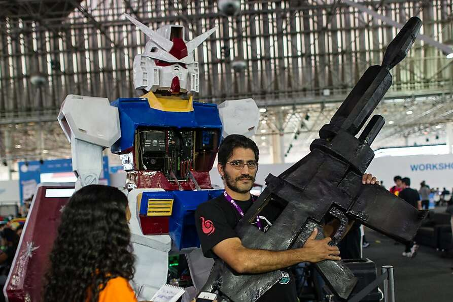 I just use it for hunting, Sen. Feinstein: Alexandre Ferreira, robot builder, poses with his