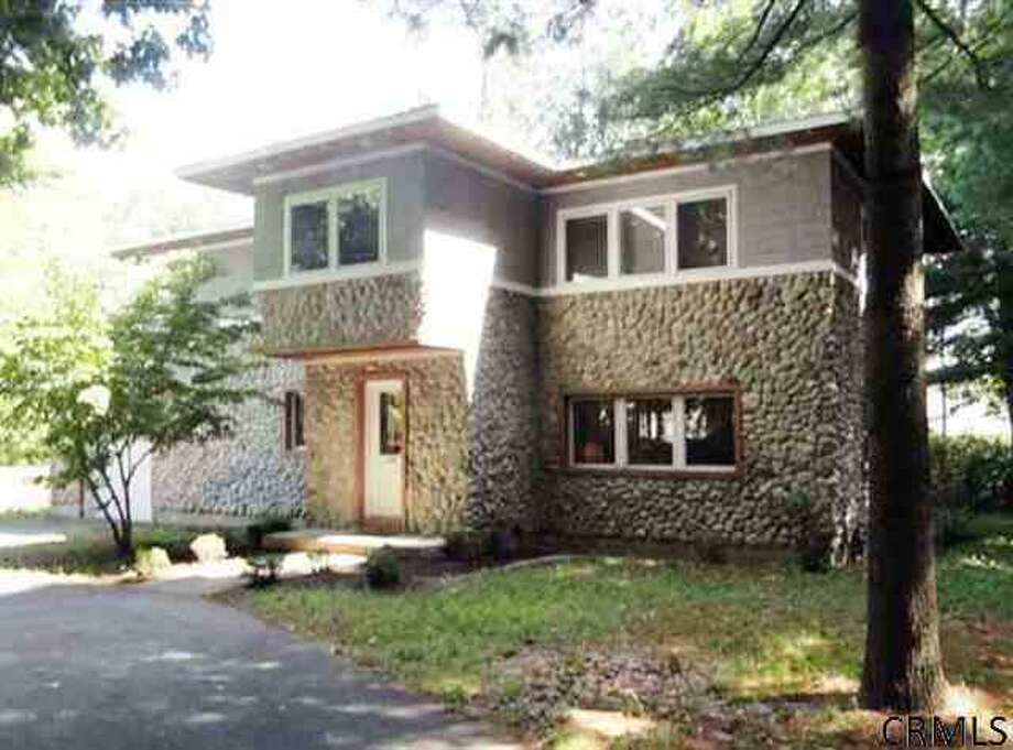 126 Crescent St., Saratoga Springs