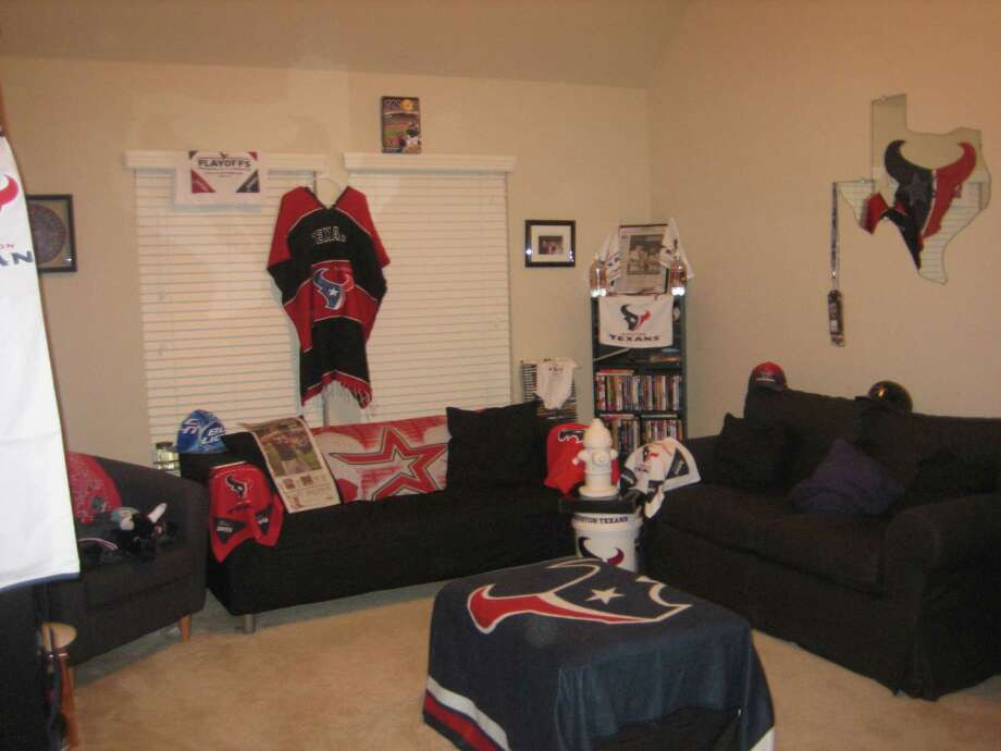 These decked-out man caves are suitable for any football fan.  Photo: Courtesy Of Esquio Gomez