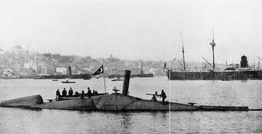 An early submarine, designed by Swedish arms manufacturer Thorsten Nordenfeldt, flies the Turkish flag, circa 1886. Photo: Hulton Archive, Getty Images / Hulton Archive