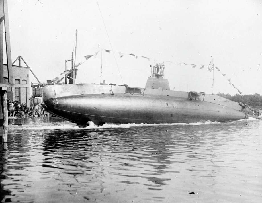 A German U-boat is launched in 1915. Photo: Boyer, Roger Viollet/Getty Images / 2012 Roger Viollet