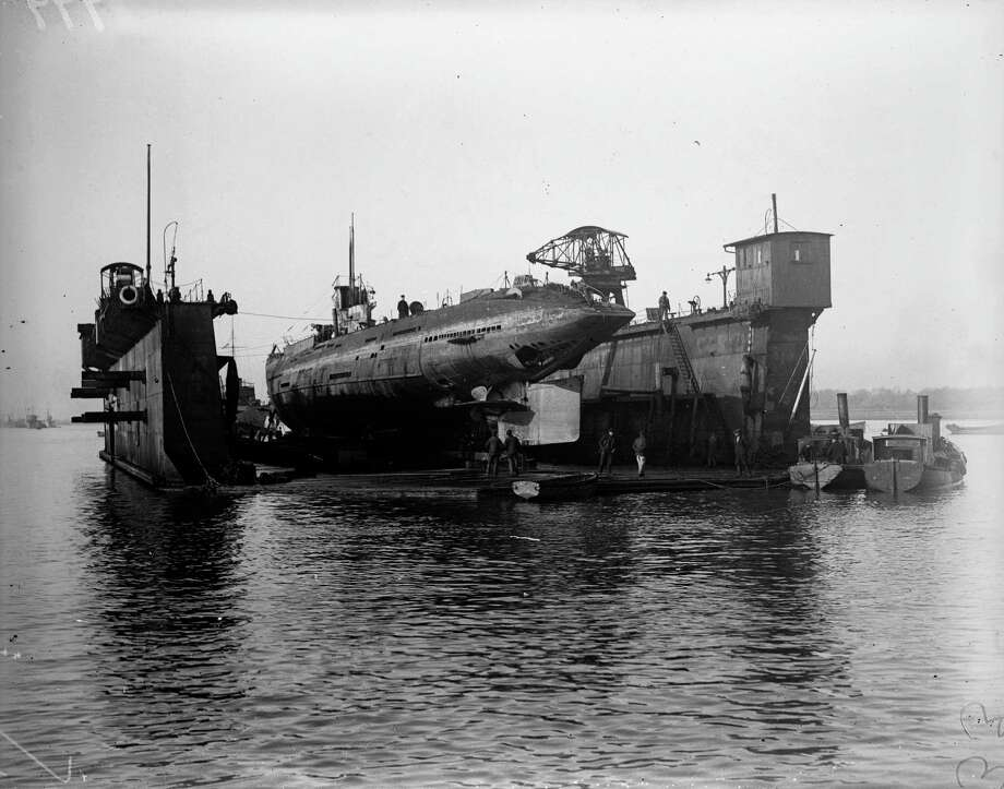 A submarine in a floating dock at Harwich, England, in March 1919. Photo: A. R. Coster, Getty Images / Hulton Archive