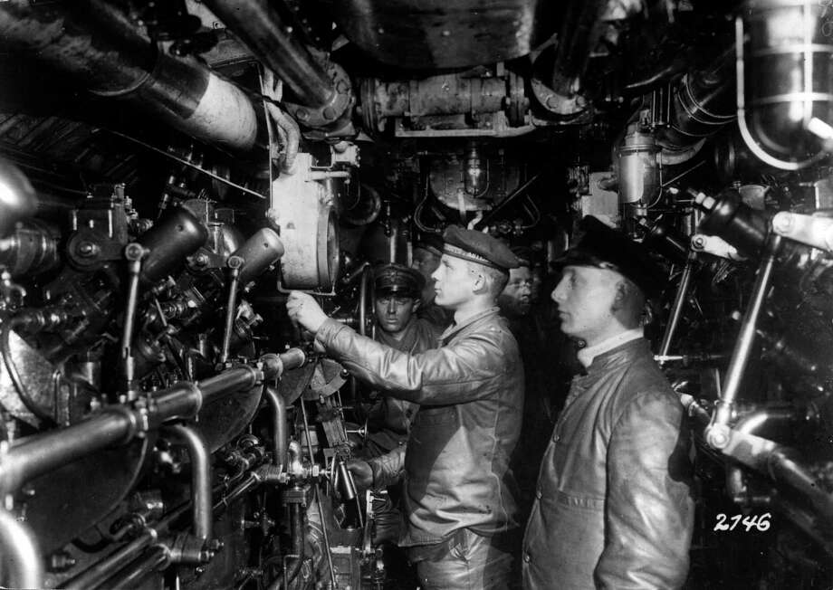 The engine room of a German U-boat, circa 1916. Photo: Hulton Archive, Getty Images / Hulton Archive