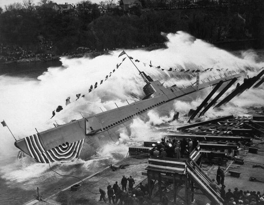 The U.S.S. Robalo is launched on May 9, 1943, at Manitowoc Shipbuilding Co., in Manitowoc, Wis. Photo: Interim Archives, Getty Images / Archive Photos