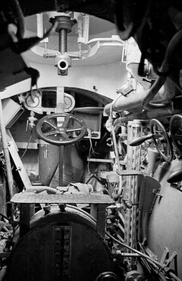 The cockpit of a German, two-man U-boat is shown on Oct. 6, 1945. Photo: Haywood Magee, Getty Images / Picture Post