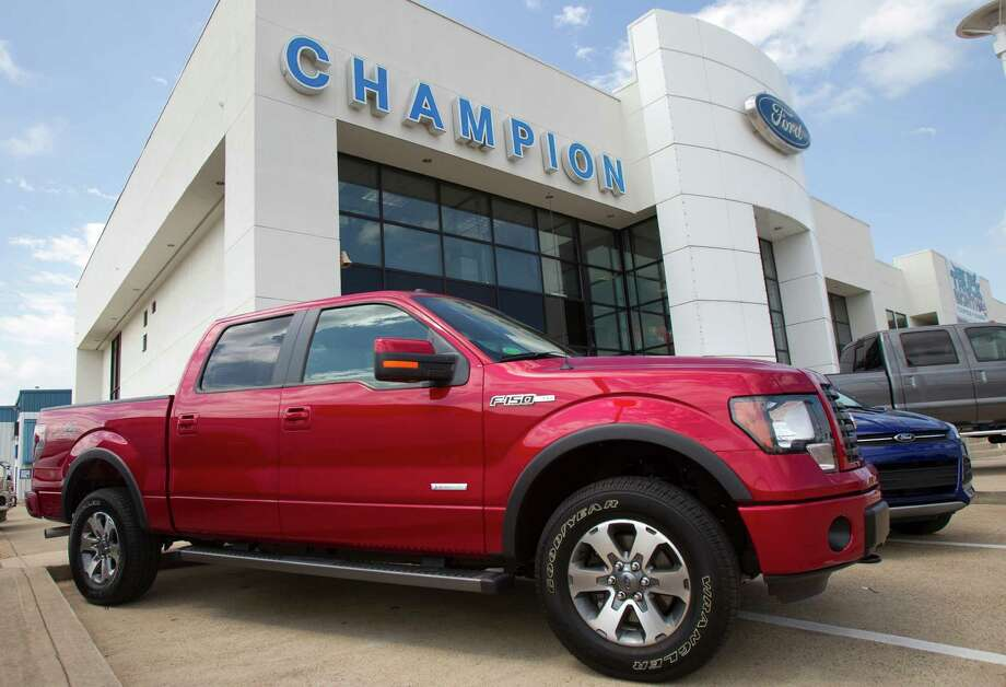 """Large Truck: 2005-2010 Ford F-150What Edmunds said:""""There must be a very good reason that the Ford F-150 has been the top-selling vehicle in America for most of the last three decades. Actually, we can think of many: a huge variety of cab styles and trim levels, a comfortable interior with sound ergonomics, a compliant ride, communicative and precise steering, smooth power plants and best-in-class brakes.""""Source:Edmunds Photo: Cody Duty, Staff / © 2011 Houston Chronicle"""