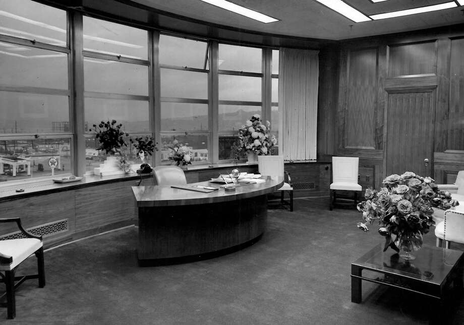 This is what the P-I publisher's office looked like in 1949. Photo: Seattlepi.com