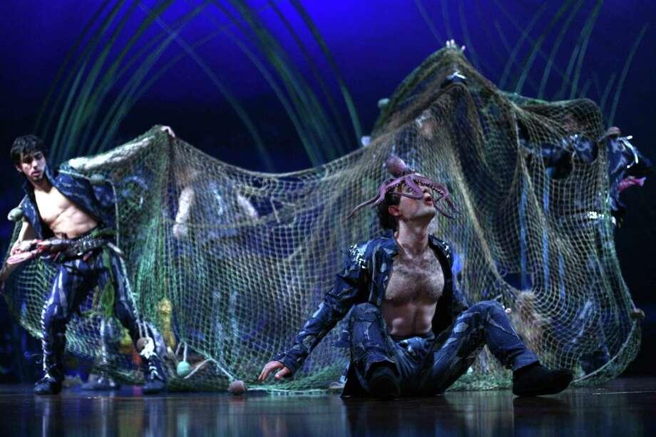 Performers gather on stage during Cirque du Soleil's Amaluna. Photo: JOSHUA TRUJILLO, SEATTLEPI.COM / SEATTLEPI.COM