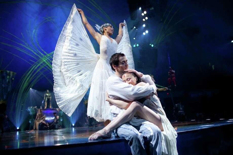 Cast members, including Ikhertsetseg Bayarsaikhan, take the stage during the final scene of Cirque du Soleil's Amaluna. Photo: JOSHUA TRUJILLO, SEATTLEPI.COM / SEATTLEPI.COM