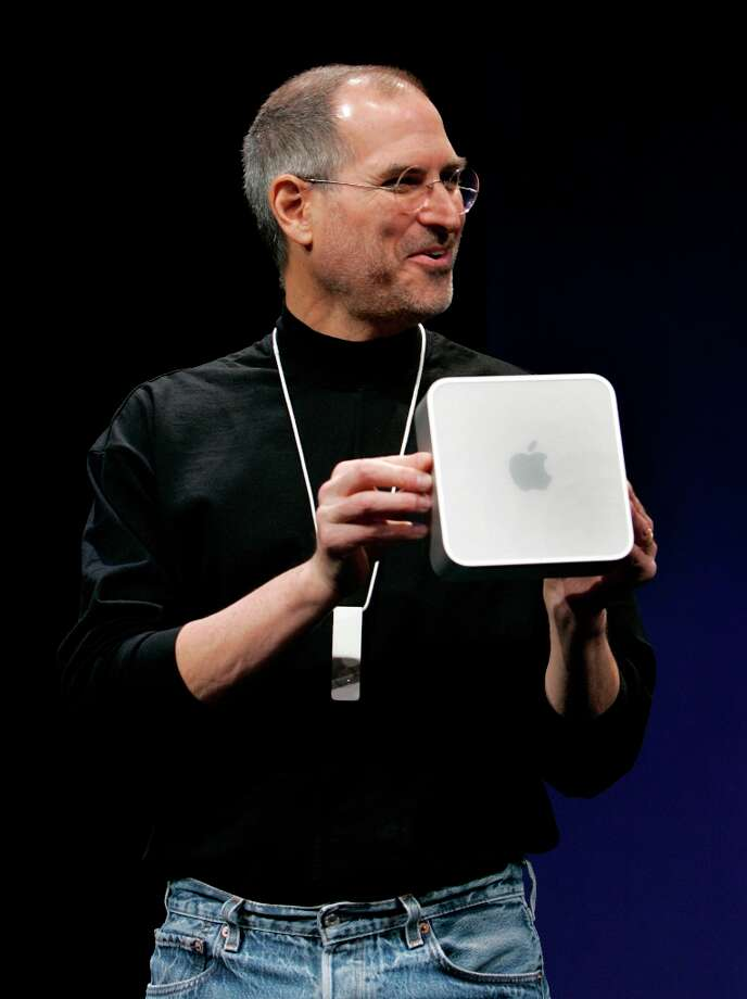 Even Steve Jobs. He also displays a Mac Mini at Macworld 2005. Photo: Paul Chinn, The Chronicle / The Chronicle