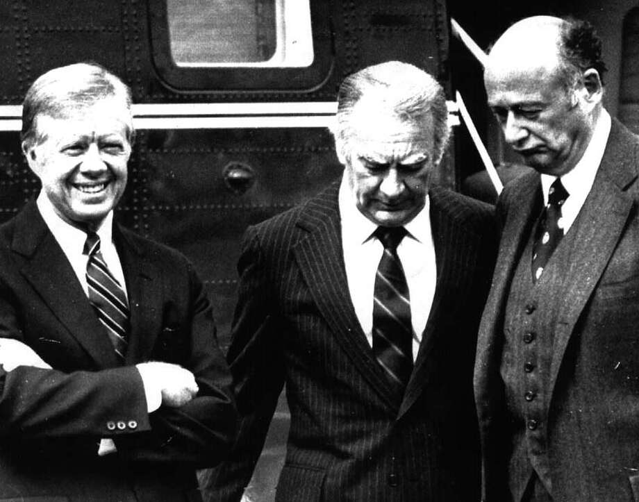PRESIDENT JIMMY CARTER--with New York Governor Hugh Carey and New York City mayor Ed Koch 9/29/80 --2--  loucks Photo: None