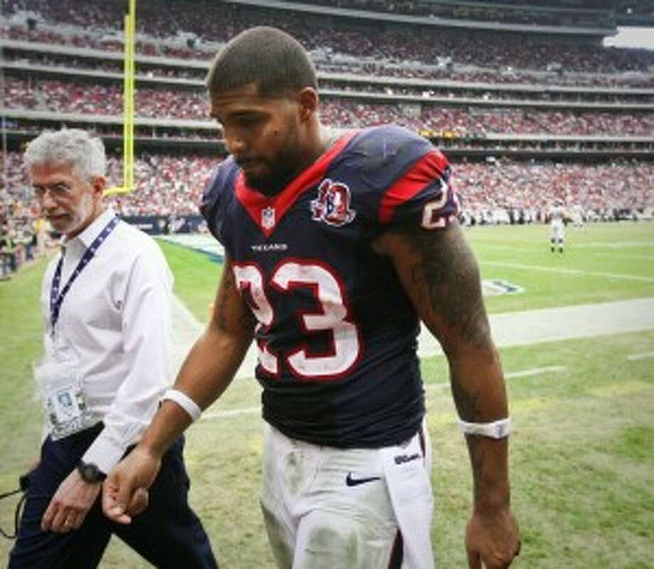"Just saw a Lunesta commercial. Shit said, ""possible risk of suicide.."" As one of the side effects. Lol, I'm good, bruh. I'll just stay awake— Arian Foster (@ArianFoster) February 11, 2013"