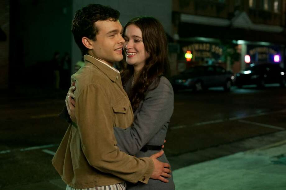 "Ethan (Alden Ehrenreich) and Lena (Alice Englert) get together in the mystical ""Beautiful Creatures."" Photo: Warner Bros., Outnow.ch"