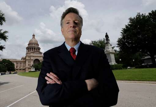 ADVANCE FOR SUNDAY FEB. 3 AND THEREAFTER  - Texas Public Policy Foundation's Thomas Lindsay poses for a photo near the Texas Capitol, Thursday, Sept. 27, 2012, in Austin. (AP Photo/Eric Gay) Photo: Eric Gay, STF / AP