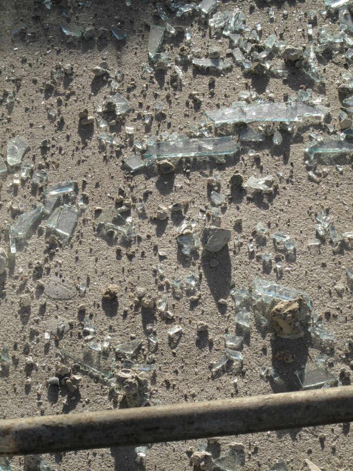 942 Mission and Jessie, second week Jan. 2013; Shards of glass, diamonds of demolishment