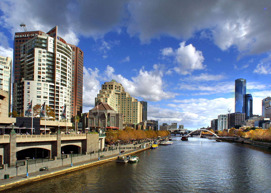 5. MELBOURNE - The Yarra River flows through Melbourne. Photo: Marina Oliphant, Freelance / FR