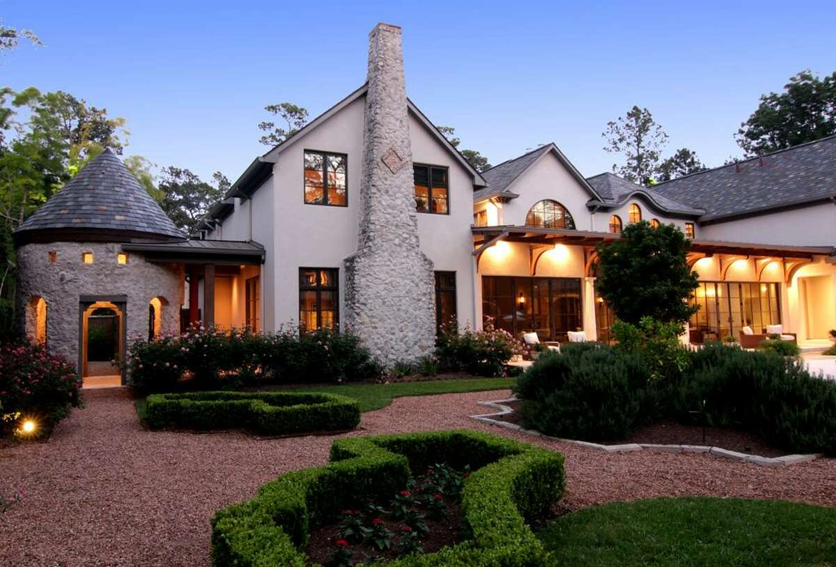 See more homes formerly owned by Houston athletes and coaches.