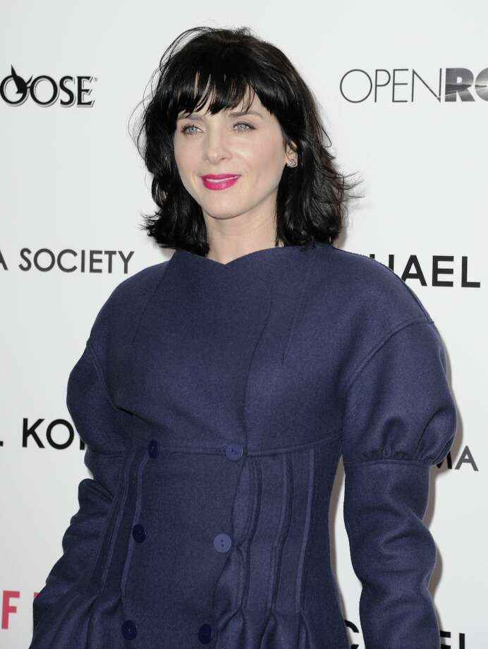 Actress Michele Hicks attends the premiere of Side Effects hosted by Open Road with The Cinema Society and Michael Kors at AMC Lincoln Square Theater on January 31, 2013 in New York City. Photo: Dave Kotinsky, Getty Images / 2013 Getty Images