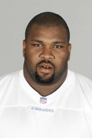 Dallas Cowboys defensive lineman Larry Allen appears in this 2001 file photo.   (AP Photo/NFL,file) Photo: Associated Press / NFL