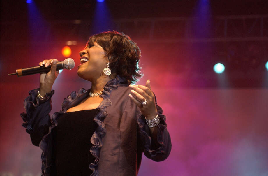 Patti LaBelle closes and shares stage with others during the Super Bowl Gospel Fest, Reliant Arena, Jan. 30, 2004. Photo: Ben DeSoto, Houston Chronicle / Houston Chronicle