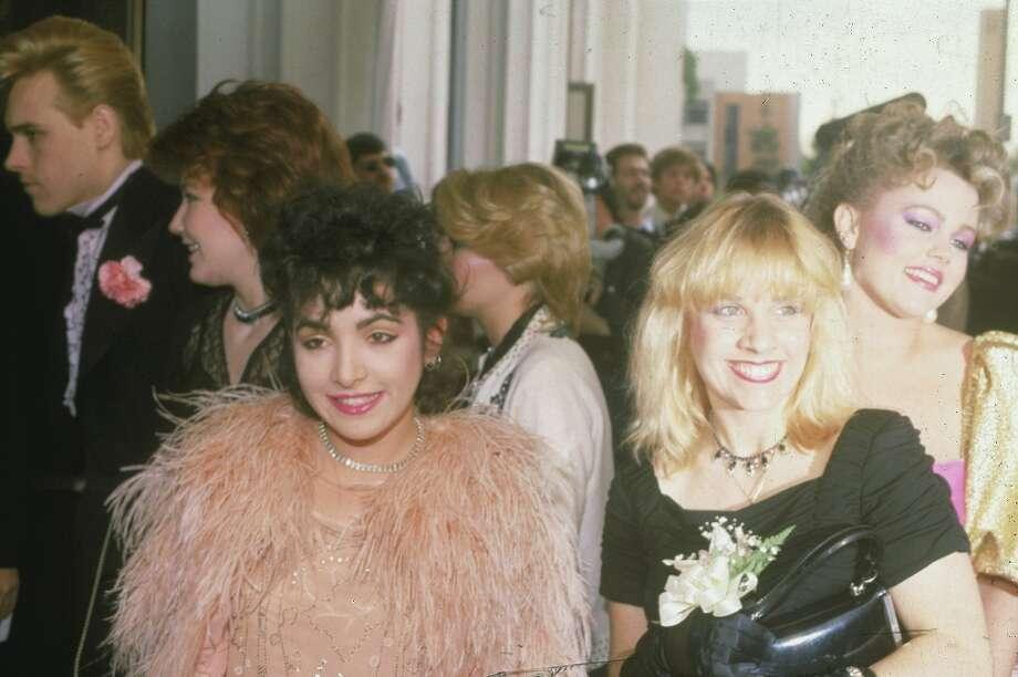 Jane Wiedlin, left foreground, Charlotte Caffey, center, and Belinda Carlisle, right, arrive at the 1982 Grammys. Photo: DOUG PIZAC, ASSOCIATED PRESS / AP1982