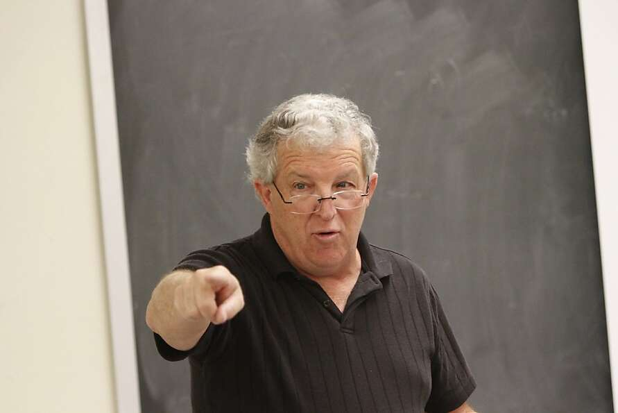 Jan Null, a meteorology lecturer, teaches an extreme weather course at San Francisco State Univer