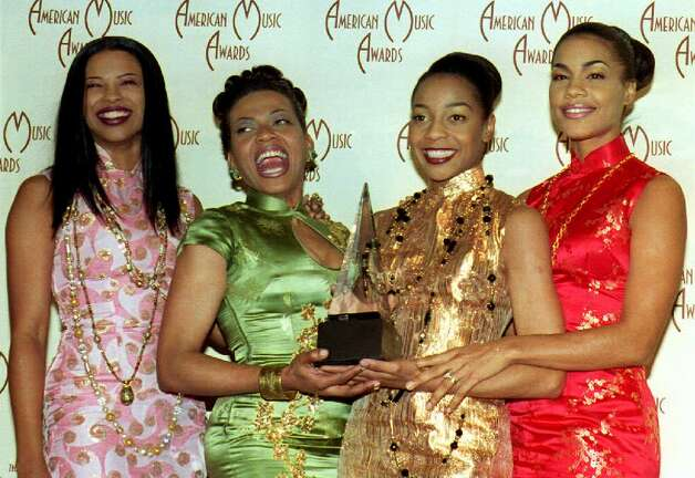 The Funky Divas of En Vogue — Dawn Robinson, Maxine Jones, Terry Ellis and Cindy Herron — at the 1993 American Music Awards. Photo: VINCE BUCCI, AFP/Getty Images / AFP