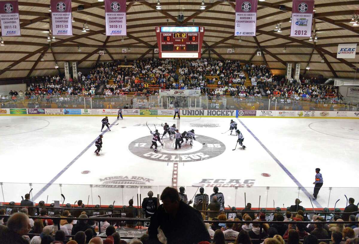 The Yale Bulldogs play the Union College Dutchmen at 7 p.m. Friday at the Messa Rink in Schenectady. Click here for more information. (John Carl D'Annibale / Times Union)