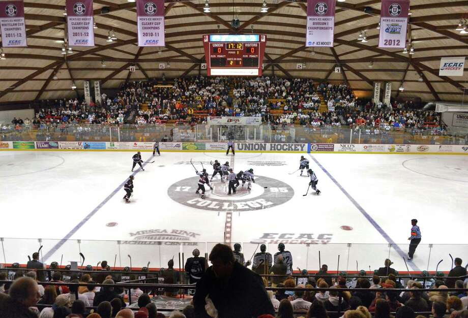 The Yale Bulldogs play the Union College Dutchmen at 7 p.m. Friday at the Messa Rink in Schenectady. Click here for more information. (John Carl D'Annibale / Times Union) Photo: John Carl D'Annibale / 00020976A